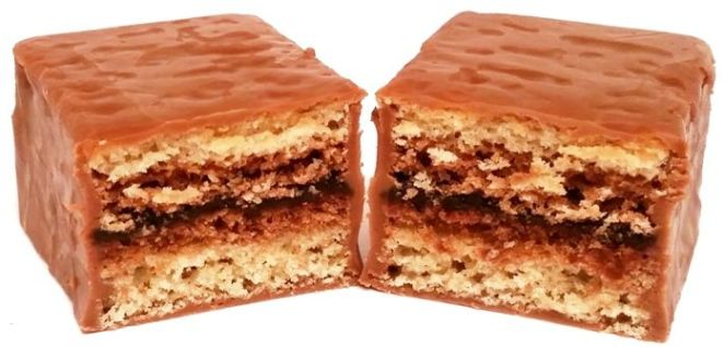 Milka, Choco Trio, torciki czekoladowe z Niemiec, biszkopty przekładane kremem czekoladowym oblane alpejską mleczną czekoladą, copyright Olga Kublik