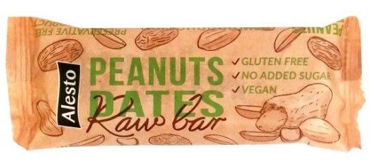 Alesto, Raw Bar Peanuts Dates, wegański baton z daktylami i fistaszkami, kompozycja a la masło orzechowe, surowy baton wegański, copyright Olga Kublik