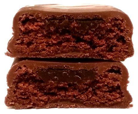ETi, Adicto Intense, czekoladowy torcik z gęstym czekoladowym nadzieniem, brownie z kremem, copyright Olga Kublik