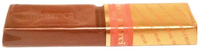 Storck, Merci Creme Frucht, czekoladka z kremem truskawkowym, copyright Olga Kublik