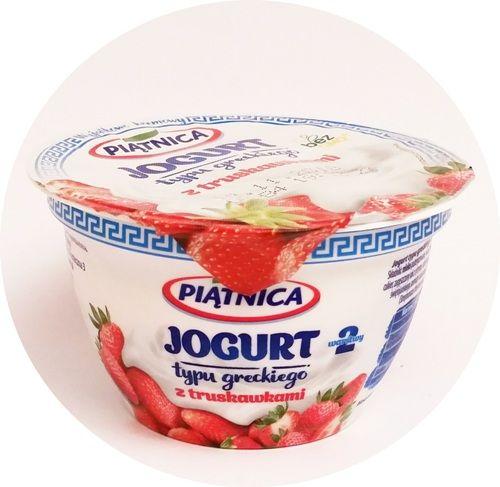 Piątnica, Jogurt typu greckiego 2,4 tłuszczu 2 warstwy z truskawkami, copyright Olga Kublik