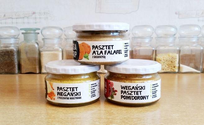 Vega Up - wegańskie pasty kanapkowe, pasztety, pasty warzywne, hummusy, paprykarze, dania obiadowe