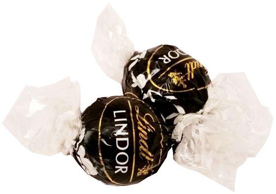 Lindt, Lindor Assorted Extra Dark 60 cocoa, praliny z ciemnej czekolady, copyright Olga Kublik