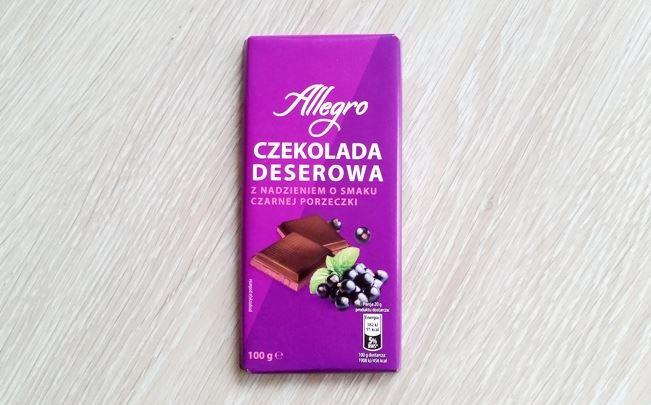 Słodycze świąteczne na mikołajki 2018 Allegro Czekolada deserowa z nadzieniem czarna porzeczka czekolada z Biedronki Millano