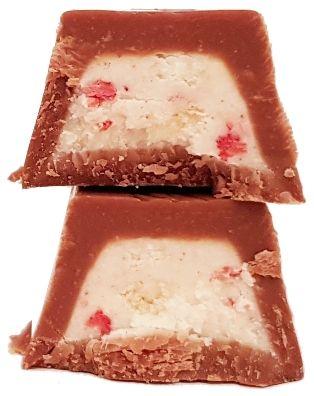 Lindt, Hello Strawberry Cheesecake, baton czekoladowy z kremem o smaku sernika truskawkowego, copyright Olga Kublik