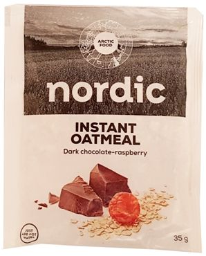 Arctic Food, Nordic Instant Oatmeal Dark chocolate-raspberry, owsianka czekoladowa z ciemną czekoladą i malinami, copyright Olga Kublik