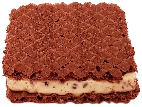 Ferrero, Hanuta Milch Crispies, wafelek z kremem mlecznym, orzechami i chrupkami kakaowymi, copyright Olga Kublik