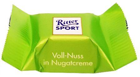 Ritter Sport, Schokowurfel vielfalt, kolekcja czekoladek, bombonierka, pralinki czekoladowe, czekoladki niemieckie, Voll-Nuss in Nugatcreme, copyright Olga Kublik