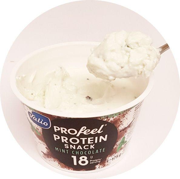 Valio, PROfeel Protein Snack Mint Chocolate, jogurt proteinowy miętowo-czekoladowy, copyright Olga Kublik