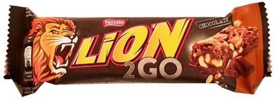Nestle, Lion 2GO Chocolate, baton czekoladowy z fistaszkami, kawałkami czekolady, chrupkami i czekoladą mleczną, copyright Olga Kublik