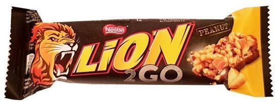 Nestle, Lion 2GO Peanut, baton czekoladowy z orzechami i mleczną czekoladą, copyright Olga Kublik