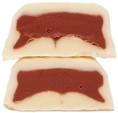 Nestle, Orion Ledove Kastany v bile cokolade, czeski baton czekoladowy z nadzieniem kakaowo-orzechowym, copyright Olga Kublik