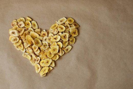 zdrowe chipsy z bananów