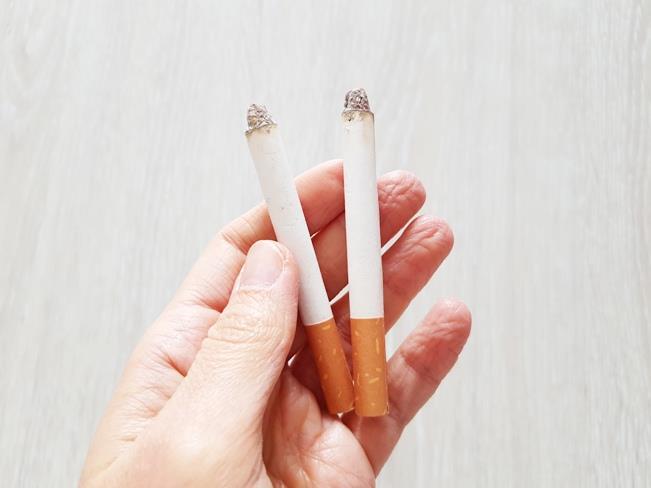 Sztuczne papierosy