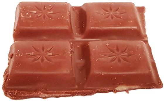 Tesco, mleczna czekolada z nadzieniem truskawkowym, copyright Olga Kublik